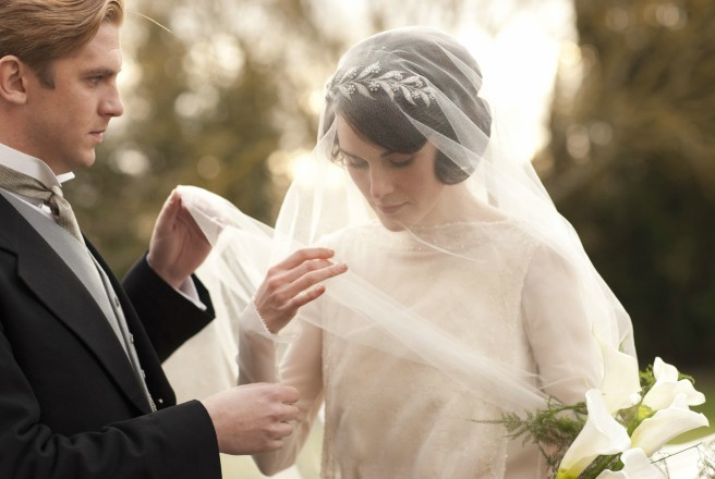 Mary-and-Matthew-Crawley-Wedding-downton-abbey-32428314-3000-2000-e1350522787771